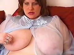 Fat chick with huge tits makes oral